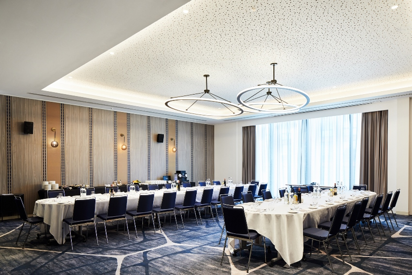Crowne Plaza Oxford Road meeting room