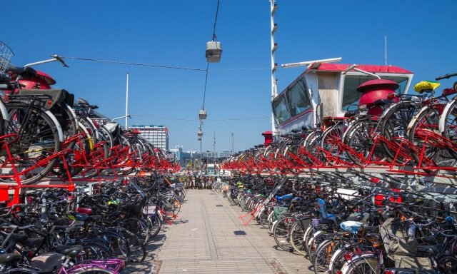 bikes in Amsterdam low carbon