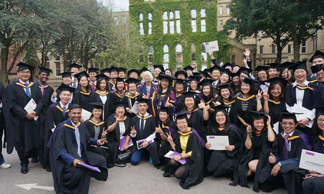 China Centre Global MBA students at graduation