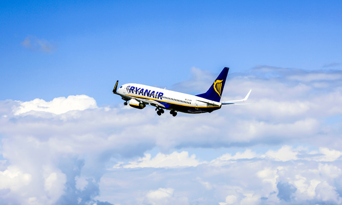 ryanair-plane-feature